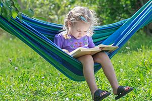 Imagine sfat: Construiți un colț de relaxare și lectură