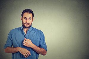 Limbajul trupului - gesturi care denotă nervozitate și teamă