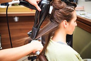 Imagine sfat: Cum alegi cel mai bun uscător de păr?
