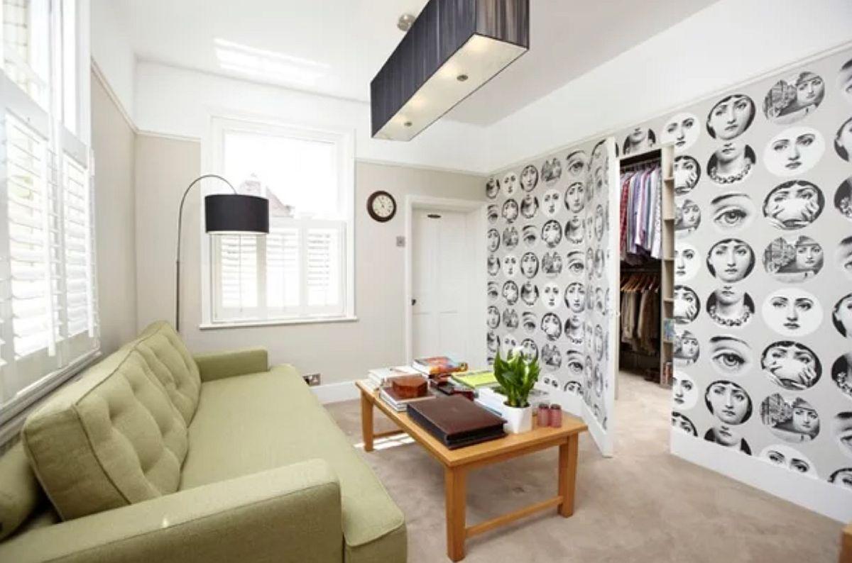Imagine sfat: Tapetul poate fi foarte bine aplicat și pe ușa interioară